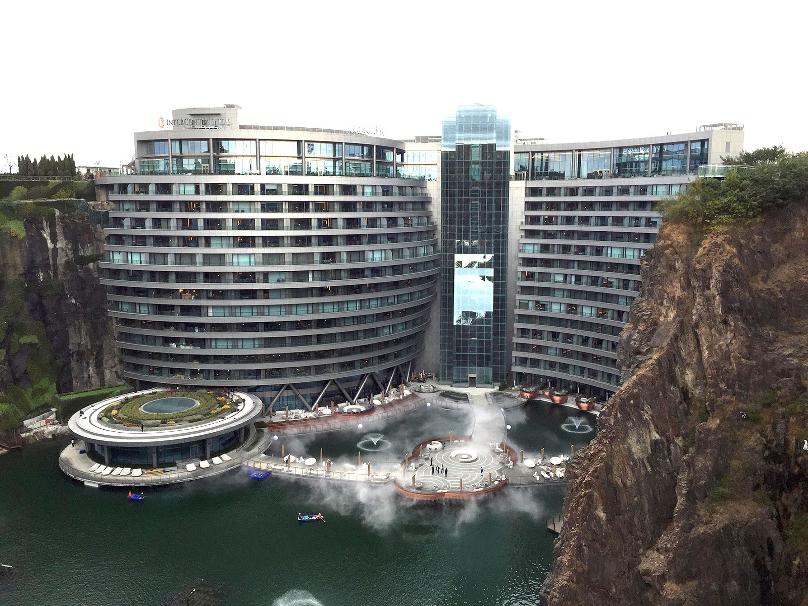shimao-wonderland-intercontinental-hotel-complete1